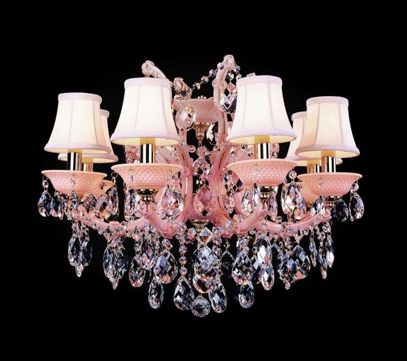 Люстра с розовыми плафонами